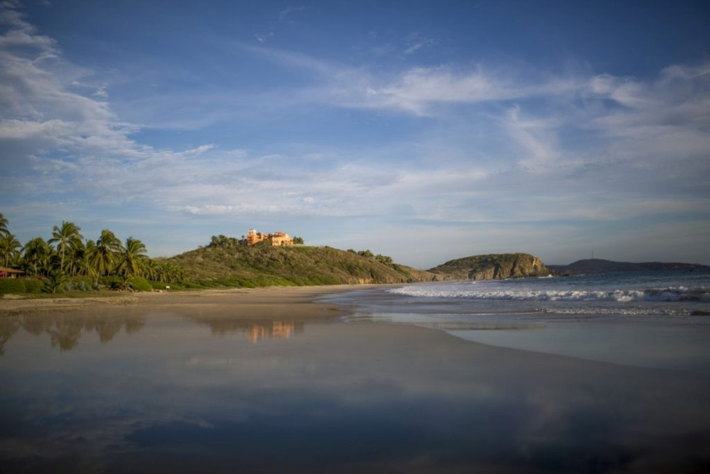 las-alamandas-mexico-beach-hotel-1200x800