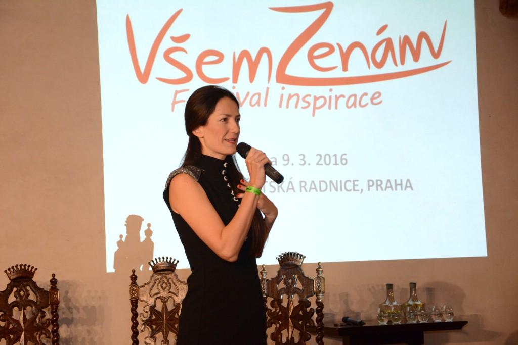 Zakladatelkou festivalu je Petra Janíčková, bývalá výkonná ředitelka Britské obchodní komory a zakladatelka pracovního portálu pracezeny.cz. Svými projekty podporuje flexibilitu na pracovním trhu, začínající ženy podnikatelky a snaží se o rozvoj žen zejména v korporacích.